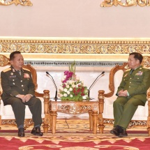 Senior General Min Aung Hlaing welcomes, meets Lt. Gen. Chansamone Chanyalath, Minister for National Defence of the Lao People's Armed Forces