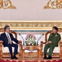 Senior General Min Aung Hlaing receives Minister of Foreign Affairs H.E. Mr. Wang Yi of People's Republic of China