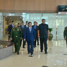 တပ်မတော်ကာကွယ်ရေးဦးစီးချုပ် ဗိုလ်ချုပ်မှူးကြီး မင်းအောင်လှိုင် အာဆီယံနိုင်ငံများ၏ ကာကွယ်ရေးနှင့် လုံခြုံရေး ဆိုင်ရာပြပွဲ (Defence & Security 2017) တက်ရောက်ရန်ထွက်ခွာ