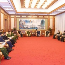 Senior General Min Aung Hlaing meets Chinese Central Military Commission Vice Chairman Gen. Xu Qiliang