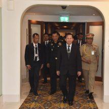 အာဆီယံနိုင်ငံများ၏ ကာကွယ်ရေးနှင့်လုံခြုံရေးဆိုင်ရာပြပွဲ(Defence & Security 2017) တက်ရောက်ခဲ့သည့် တပ်မတော်ကာကွယ်ရေးဦးစီးချုပ် ဗိုလ်ချုပ်မှူးကြီး မင်းအောင်လှိုင်ဦးဆောင်သည့် မြန်မာ့တပ်မတော်ကိုယ်စားလှယ်အဖွဲ့ပြန်လည် ရောက်ရှိ