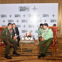 Senior General Min Aung Hlaing meets with Commander of Indonesian National Armed Forces General Gatot Nurmantyo