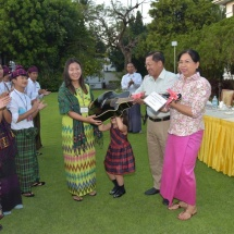 Catholic Kachin Youth Yangon (CKYY) sings carols and makes wishes for peace at residence of Senior General Min Aung Hlaing