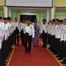 တပ်မတော်ကာကွယ်ရေးဦးစီးချုပ် ဗိုလ်ချုပ်မှူးကြီး မင်းအောင်လှိုင် တပ်မတော် (ကြည်း) ဗိုလ်သင်တန်းကျောင်း(မှော်ဘီ)၊ ဘွဲ့ရအမျိုးသမီးဗိုလ်လောင်းသင်တန်း အမှတ်စဉ်(၄) သင်တန်းဆင်း ဂုဏ်ပြုညစာစားပွဲအခမ်းအနားတက်ရောက်ချီးမြှင့်