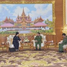 Senior General Min Aung Hlaing receives Singaporean Ambassador
