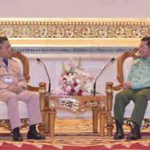 Senior General Min Aung Hlaing receives Commander-in-Chief of Royal Thai Navy