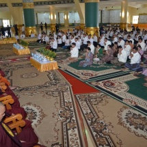Families of Myanmar Tatmadaw, Royal Thai Armed Forces (Army, Navy and Air) jointly offer rice and alms to 1,000 members of the Sangha on the platform of Uppatasanti Pagoda