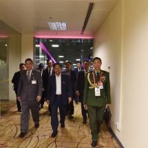 တပ်မတော်ကာကွယ်ရေးဦးစီးချုပ် ဗိုလ်ချုပ်မှူးကြီးမင်းအောင်လှိုင် စင်ကာပူသမ္မတ နိုင်ငံသို့ရောက်ရှိ