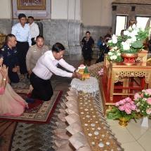 Senior General Min Aung Hlaing pays visit and homage to Sothon Wararam Temple in Bangkok