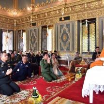 Senior General Min Aung Hlaing pays homage to Sangharaja Sayadaw of Thailand