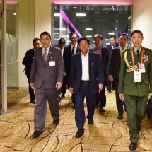 Senior General Min Aung Hlaing arrives in Republic of Singapore