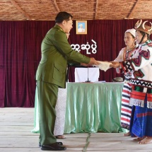 Senior-General Min Aung Hlaing meets community elders, local ethnic people, departmental personnel and people's militia in Khaunglanphu