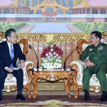 တပ်မတော်ကာကွယ်ရေးဦးစီးချုပ် ဗိုလ်ချုပ်မှူးကြီး မင်းအောင်လှိုင် တာဝန်ပြီးဆုံး၍ ပြန်လည်ထွက်ခွာမည့် မြန်မာနိုင်ငံဆိုင်ရာ ဂျပန်နိုင်ငံသံအမတ်ကြီး H.E. Mr. Tateshi HIGUCHI အား လက်ခံတွေ့ဆုံ