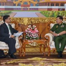 တပ်မတော်ကာကွယ်ရေးဦးစီးချုပ် ဗိုလ်ချုပ်မှူးကြီး မင်းအောင်လှိုင် မြန်မာနိုင်ငံဆိုင်ရာ အိန္ဒိယနိုင်ငံသံအမတ်ကြီး H.E. Mr. Vikram Misri အားလက်ခံတွေ့ဆုံ