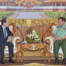 တပ်မတော်ကာကွယ်ရေးဦးစီးချုပ် ဗိုလ်ချုပ်မှူးကြီး မင်းအောင်လှိုင် မြန်မာနိုင်ငံဆိုင်ရာ ဂျပန်နိုင်ငံသံအမတ်ကြီးအား လက်ခံတွေ့ဆုံ