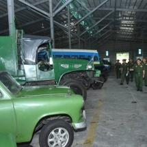 တပ်မတော်ကာကွယ်ရေးဦးစီးချုပ် ဗိုလ်ချုပ်မှူးကြီးမင်းအောင်လှိုင် မန္တလေးတပ်နယ်၊ ထုံးဘိုရှိ နယ်မြေခံတပ်အတွင်း တပ်မတော်မှခေတ်အဆက်ဆက် အသုံးပြုခဲ့သည့် မော်တော်ယာဉ်များနှင့် အများပြည်သူများ ခေတ်အဆက်ဆက် အသုံးပြုခဲ့သည့် မော်တော်ယာဉ်များအား စနစ်တကျထိန်းသိမ်းထားရှိမှုအခြေအနေများကို သွားရောက် ကြည့်ရှုစစ်ဆေး
