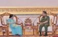တပ်မတော်ကာကွယ်ရေးဦးစီးချုပ် ဗိုလ်ချုပ်မှူးကြီး မင်းအောင်လှိုင် အိန္ဒိယနိုင်ငံ၊ ပြည်ပရေးရာဝန်ကြီးဌာနဝန်ကြီး H.E. Smt. Sushma Swaraj အား လက်ခံတွေ့ဆုံ