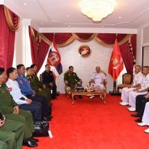 တပ္မေတာ္ကာကြယ္ေရးဦးစီးခ်ဳပ္ ဗုိလ္ခ်ဳပ္မွဴးႀကီး မင္းေအာင္လႈိင္ ထုိင္းႏုိင္ငံ၊ ပတၱရားၿမိဳ႕ရွိ ထုိင္းဘုရင့္တပ္မေတာ္ Royal Thai Navy SEALS ဌာနခ်ဳပ္၊ Royal Thai Navy Fleet ဌာနခ်ဳပ္ႏွင့္ Royal Thai Marine Corps ဌာနခ်ဳပ္တုိ႔အား သြားေရာက္ၾကည့္႐ႈေလ့လာ