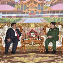 တပ်မတော်ကာကွယ်ရေးဦးစီးချုပ် ဗိုလ်ချုပ်မှူးကြီး မင်းအောင်လှိုင် မြန်မာနိုင်ငံဆိုင်ရာ မလေးရှားနိုင်ငံသံ အမတ်ကြီး H.E. Mr. Zahairi bin Baharim အား လက်ခံတွေ့ဆုံ