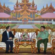 တပ်မတော်ကာကွယ်ရေးဦးစီးချုပ် ဗိုလ်ချုပ်မှူးကြီး မင်းအောင်လှိုင် မြန်မာနိုင်ငံဆိုင်ရာ ဂျပန်နိုင်ငံသံအမတ်ကြီး H.E. Mr. Ichiro MARUYAMA ဦးဆောင်သော ကိုယ်စားလှယ်အဖွဲ့အား လက်ခံတွေ့ဆုံ