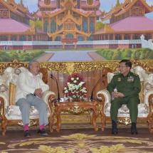 တပ်မတော်ကာကွယ်ရေးဦးစီးချုပ် ဗိုလ်ချုပ်မှူးကြီး မင်းအောင်လှိုင် မြန်မာနိုင်ငံ အမျိုးသားပြန်လည်သင့်မြတ်ရေးဆိုင်ရာ ဂျပန်အစိုးရ၏အထူးကိုယ်စားလှယ်၊ နိပွန်ဖောင်ဒေးရှင်းနှင့် ဆာဆာကာဝါဖောင်ဒေးရှင်း ဥက္ကဋ္ဌ H.E.Mr.Yohei SASAKAWA ဦးဆောင်သော ကိုယ်စားလှယ်အဖွဲ့အား လက်ခံတွေ့ဆုံ