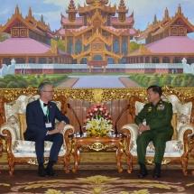 တပ်မတော်ကာကွယ်ရေးဦးစီးချုပ် ဗိုလ်ချုပ်မှူးကြီး မင်းအောင်လှိုင် မြန်မာနိုင်ငံဆိုင်ရာ ဆွစ်ဇာလန်နိုင်ငံသံအမတ်ကြီး H.E. Mr. Paul R. Seger အား လက်ခံတွေ့ဆုံ