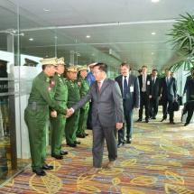 တပ္မေတာ္ကာကြယ္ေရးဦးစီးခ်ဳပ္ ဗုိလ္ခ်ဳပ္မွဴးႀကီး မင္းေအာင္လႈိင္ ႐ုရွားဖက္ဒေရးရွင္းႏုိင္ငံတြင္က်င္းပျပဳလုပ္မည့္ ႏုိင္ငံတကာစစ္ဘက္နည္းပညာဖိုရမ္ (Army Forum-2018) ႏွင့္ ႏုိင္ငံတကာအမ်ိဳးသားလုံၿခဳံေရးဖုိရမ္ (Week of National Security) တက္ေရာက္ရန္ထြက္ခြာ