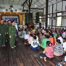 တပ်မတော်ကာကွယ်ရေးဦးစီးချုပ် ဗိုလ်ချုပ်မှူးကြီး မင်းအောင်လှိုင် ကရင်ပြည်နယ်၊ ဘားအံမြို့နှင့် ပတ်ဝန်းကျင်ကျေးရွာများမှ ရေဘေးရှောင်ပြည်သူများအား သွားရောက်တွေ့ဆုံအားပေးစကားပြောကြား