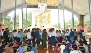 Senior General Min Aung Hlaing visits flood victims of Shwegyin and its surrounding villages
