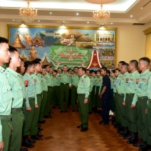 Commander-in-Chief of Defence Services Senior General Min Aung Hlaing honours officers and other ranks who took part in International Army Games-2018 held in Russian Federation