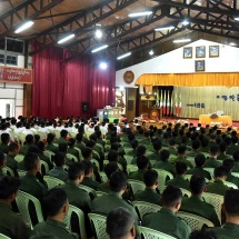 Senior General Min Aung Hlaing delivers speech in meeting with officers, other ranks and families from Taunggyi Station