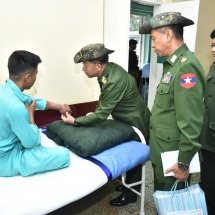 Senior General Min Aung Hlaing comforts Tatmadawmen, families, war veterans, local people receiving medical treatment at local Tatmadaw hospital in Taunggyi, visits Military Computer and Technological Institute in Hopong Station