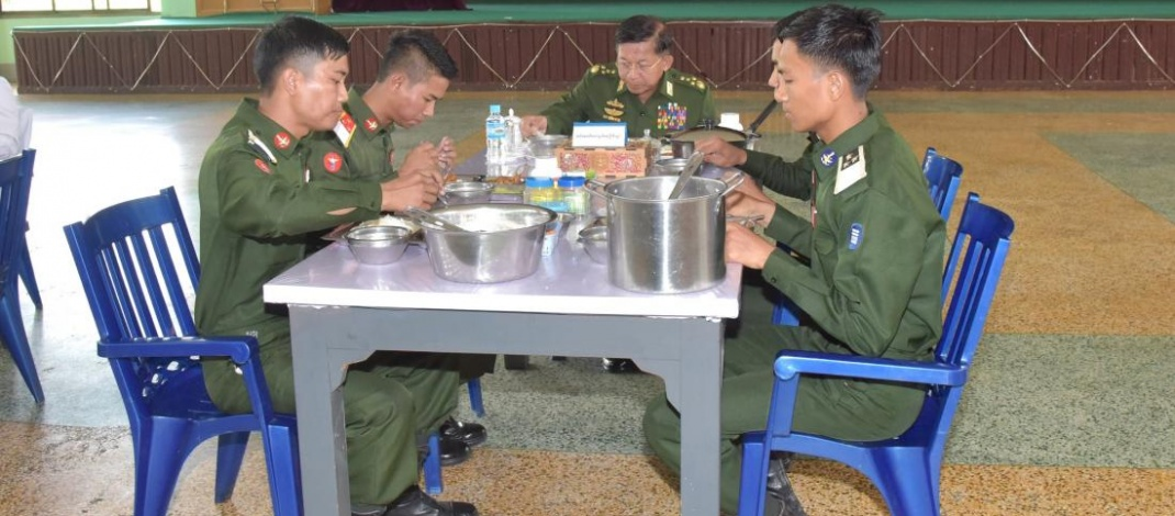 Senior General Min Aung Hlaing attends Choice of Arms ceremony of 21st Intake of DSTA, views training of Myanmar Tatmadaw shooting team