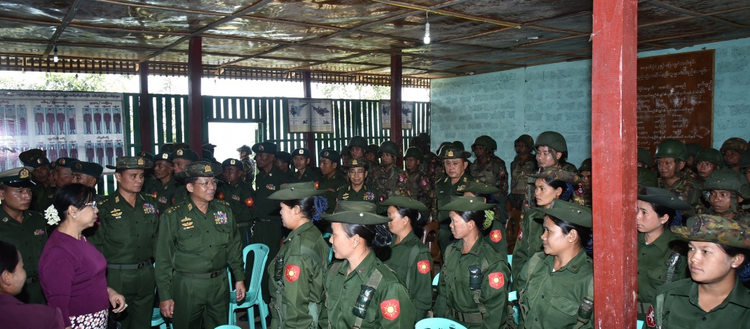 Senior General Min Aung Hlaing meets officers, other ranks and families from Laukkai, Kongyan and Nyankhwan stations