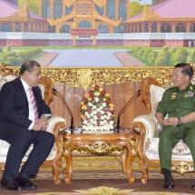 တာဝန်ပြီးဆုံး၍ ပြန်လည်ထွက်ခွာမည့် မြန်မာနိုင်ငံဆိုင်ရာ ထိုင်းနိုင်ငံသံအမတ်ကြီး H.E. Mr. Jukr Boon-Long အား တပ်မတော်ကာကွယ်ရေးဦးစီးချုပ် ဗိုလ်ချုပ်မှူးကြီး မင်းအောင်လှိုင် လက်ခံတွေ့ဆုံ