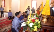 Senior General Min Aung Hlaing and goodwill delegation visit Wat Ong Teu Monastery in Vientiane, Laos