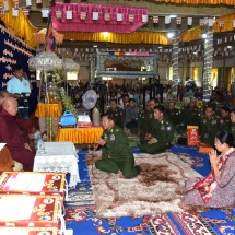 Senior General Min Aung Hlaing pays homage to remains of grateful Myainggyingu Sayadaw Bhaddanta Sujana who recently passed away