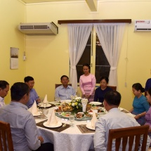 Senior General Min Aung Hlaing meets staff of Myanmar embassy,officers, other ranks, families of office of military attaché to Laos