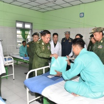 Senior General Min Aung Hlaing visits Local medical battalion in Mandalay, meets officers and other ranks of Kyaukse Station