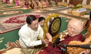 Families of the Office of the Commander-in-Chief(Army, Navy and Air) hold 8th Maha communal Kathina donation ceremony