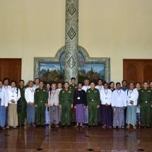 """တပ်မတော်ကာကွယ်ရေးဦးစီးချုပ် ဗိုလ်ချုပ်မှူးကြီး မင်းအောင်လှိုင် မြန်မာနိုင်ငံ သတင်းမီဒီယာကောင်စီဥက္ကဋ္ဌ ဦးအုန်းကြိုင်ဦးဆောင်သည့်အဖွဲ့ဝင်များနှင့် သတင်းမီဒီယာများအားတွေ့ဆုံ၊ """"တပ်မတော်ကာကွယ်ရေး ဦးစီးချုပ်ရုံး၏ ပစ်ခတ်တိုက်ခိုက်မှုရပ်စဲရေးနှင့် ထာဝရငြိမ်းချမ်းရေးအတွက် ထုတ်ပြန်ချက်"""" ကြေညာ"""