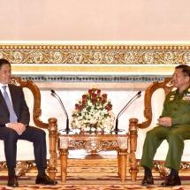 တပ်မတော်ကာကွယ်ရေးဦးစီးချုပ် ဗိုလ်ချုပ်မှူးကြီး မင်းအောင်လှိုင် တရုတ်ပြည်သူ့ သမ္မတနိုင်ငံ၊ ယူနန်ပြည်နယ်ပါတီကော်မတီ၊ အတွင်းရေးမှူး H.E. Mr. Chen Hao အားလက်ခံတွေ့ဆုံ