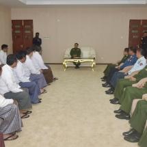 တပ်မတော်ကာကွယ်ရေးဦးစီးချုပ် ဗိုလ်ချုပ်မှူးကြီး မင်းအောင်လှိုင် မြန်မာ့သိုင်းအဖွဲ့ချုပ်မှ တာဝန်ရှိသူများနှင့် သိုင်းဆရာကြီးများအား ရင်းရင်းနှီးနှီးတွေ့ဆုံ