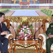 တပ်မတော်ကာကွယ်ရေးဦးစီးချုပ် ဗိုလ်ချုပ်မှူးကြီး မင်းအောင်လှိုင် တရုတ်ပြည်သူ့သမ္မတနိုင်ငံ၊ နိုင်ငံခြားရေးဝန်ကြီးဌာန၏ အာရှရေးရာအထူးကိုယ်စားလှယ် H.E. Mr. Sun Guoxiang အား လက်ခံတွေ့ဆုံ