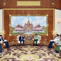Senior General Min Aung Hlaing receives retired Admiral Choi Yoon-hee who is Former Chairman of Joint Chiefs of Staff of ROK