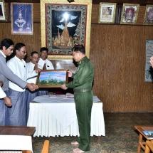 Senior General Min Aung Hlaing visits historic Shwenattaung Pagoda