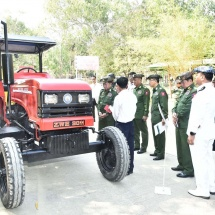 Commander-in-Chief of Defence Services Senior General Min Aung Hlaing visits No. 17 Heavy Industry (Malun)