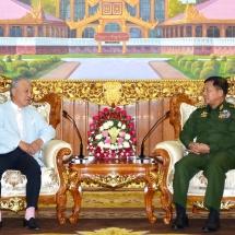 တပ်မတော်ကာကွယ်ရေးဦးစီးချုပ် ဗိုလ်ချုပ်မှူးကြီး မင်းအောင်လှိုင် ဂျပန်အစိုးရ၏ မြန်မာနိုင်ငံဆိုင်ရာ အထူး ကိုယ်စားလှယ်နှင့် နီပွန်ဖောင်ဒေးရှင်းဥက္ကဋ္ဌ H.E. Mr. Yohei SASAKAWA အား လက်ခံတွေ့ဆုံ
