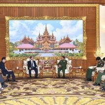 Senior General Min Aung Hlaing receives Special Adviser to the Prime Minister of Japan H.E. Mr. Hiroto IZUMI