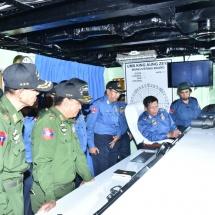 တပ်မတော်ကာကွယ်ရေးဦးစီးချုပ် ဗိုလ်ချုပ်မှူးကြီး မင်းအောင်လှိုင် စစ်ရေယာဉ် တပ်ပေါင်းစု ပင်လယ်ပြင်စစ်ဆင်မှု လေ့ကျင့်ခန်း (Combined Fleet Exercise – Sea Shield 2019) သို့တက်ရောက်ကြည့်ရှု